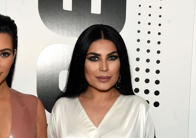 الفنانة الأفغانية، أريانا سعيد مع عارضة الأزياء الأمريكية، كيم كارداشيان