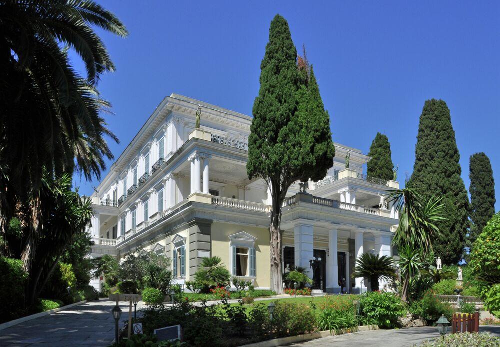 قصر أخيليون على جزيرة كورفو، اليونان