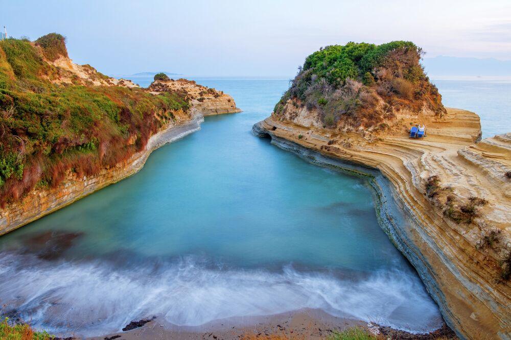 قناة الحب في قرية سيداري على جزيرة كورفو، اليونان