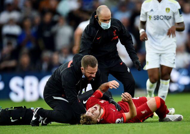 لاعب ليفربول هارفي إليوت يتعرض لإصابة مروعة في الكاحل