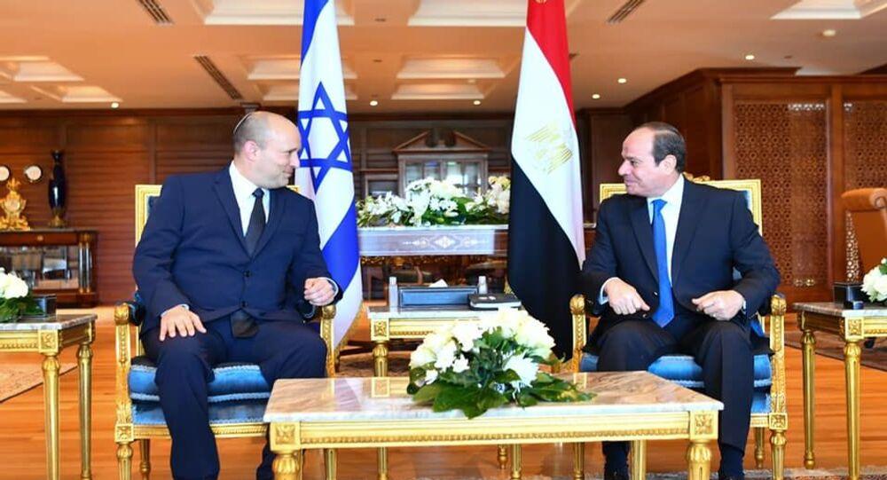 الرئيس المصري عبد الفتاح السيسي يستقبل رئيس الوزراء الإسرائيلي نفتالي بينيت في شرم الشيخ