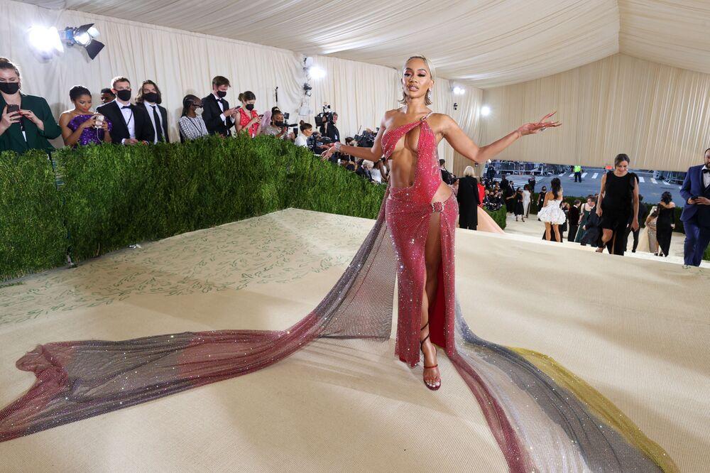مغنية الراب سويتي (Saweetie) خلال حفل ممتحف متروبوليتان للفن في تصميم الأزياء، خلال مراسم احتفالية بافتتاح معرض في أمريكا: معجم الموضة في مدينة نيويورك، الولايات المتحدة، 13 سبتمبر 2021