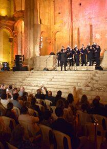 الموسيقى الكلاسيكية الروسية تصدح من قلعة بعلبك الأثرية، لبنان 16 سبتمبر 2021
