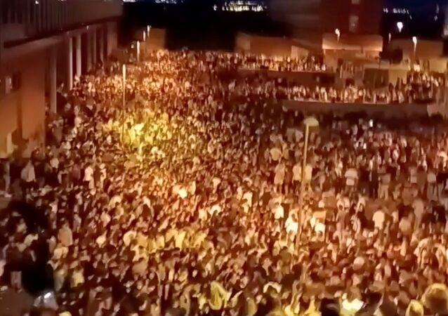 حفل شرب غير مشروع حول جامعة كومبلوتنسي في مدريد