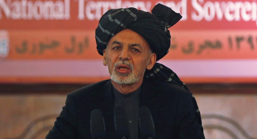 Afghanistan's President Ashraf Ghani speaks during a event in Kabul January 1, 2015. Afghanistan assumed full responsibility for security from departing foreign combat troops on Thursday, a day after Afghan army mortar shells killed at least 20 civilians attending a wedding party in volatile southern Helmand province.