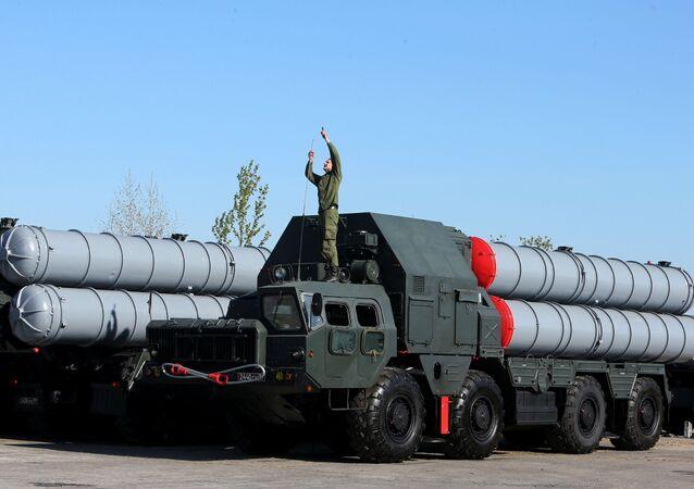 منظومة إس-300 الصاروخية للدفاع الجوي