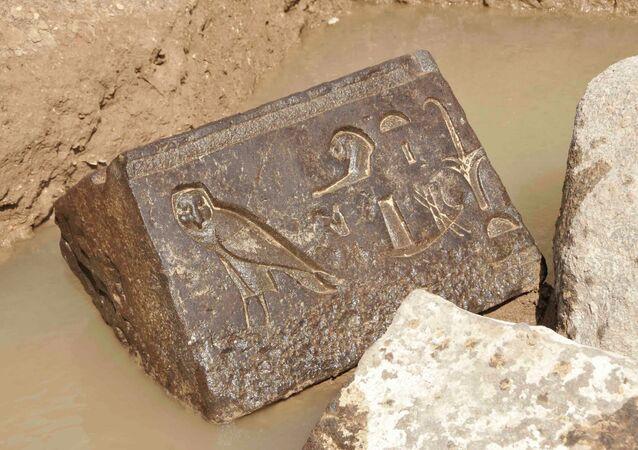 اكتشاف تمثال للقائد العسكري الفرعوني الملك مرنبتاح