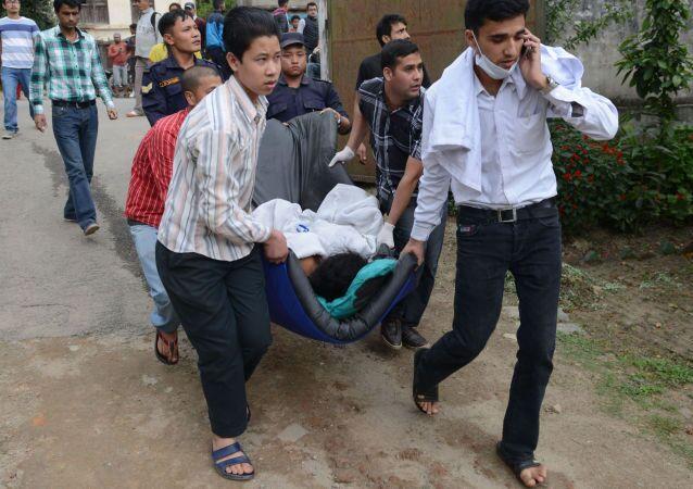 أحد قتلى زلزال نيبال