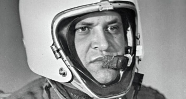 الطيار الأمريكي فرانسيس غاري باويرز