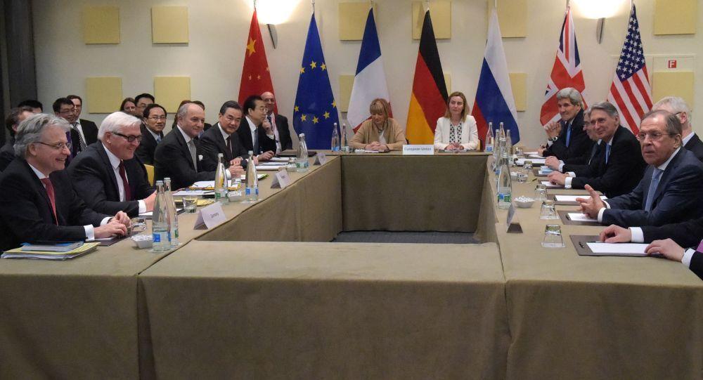 محادثات بين إيران والسداسية الدولية
