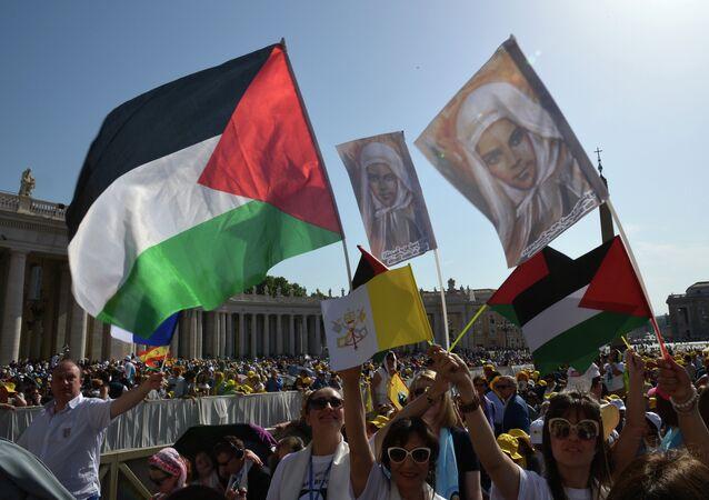 الفاتيكان يعترف بدولة فلسطين