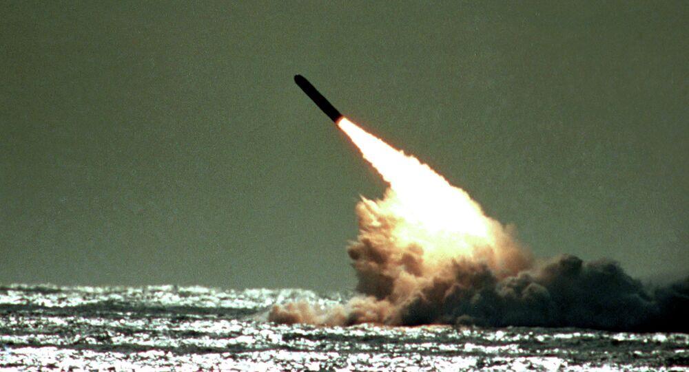 إطلاق صاروخ ترايدينت 2