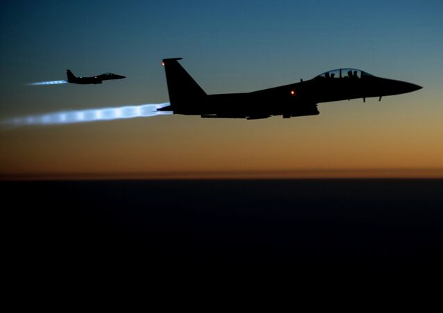 طائرات تقصف سوريا