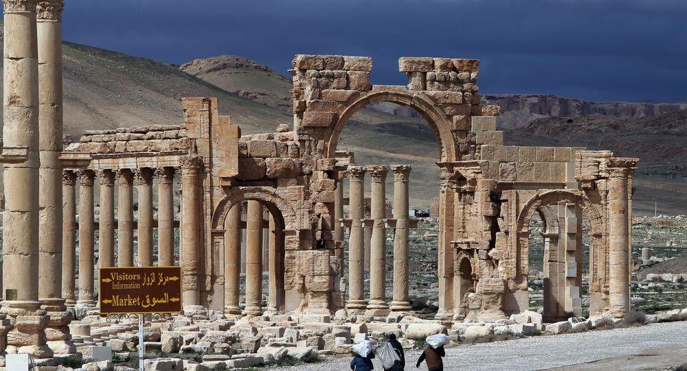 تدمر السورية تحتوى على أكثر من ألف عمود أثري بنيت قبل 1755 عاما