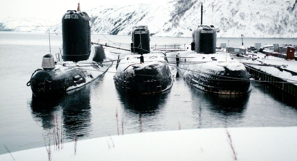 غواصات تابعة للأسطول الشمالي في قاعدة  سيفيرومورسك