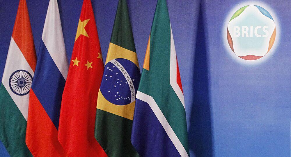 اعلام الدول الـ5 المكونة لمجموعة بريكس