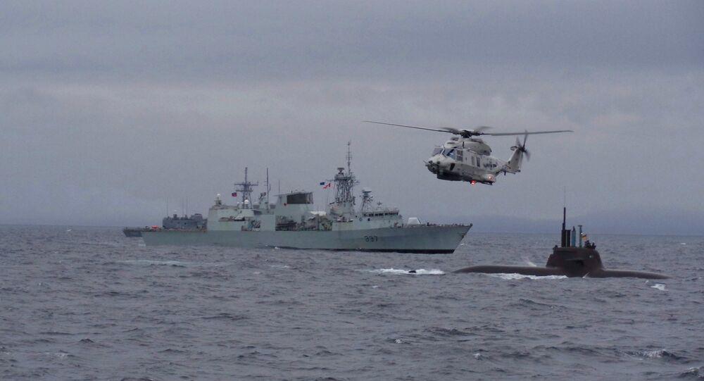 فرقاطة كندية خلال تدريب قوات الناتو