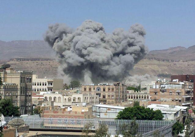 قصف العاصمة اليمنية صنعاء