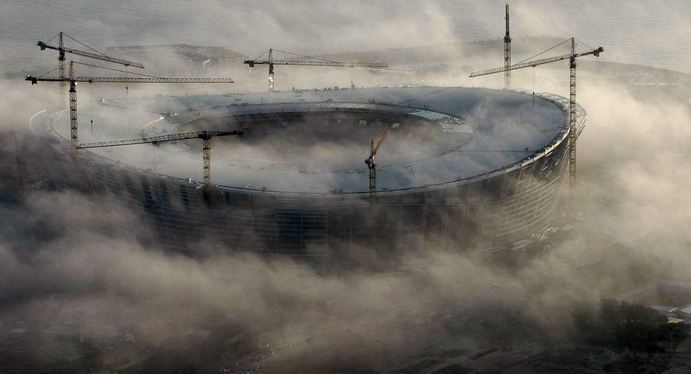 الضباب يلف ملعب غرين بوينت في كيبتاون