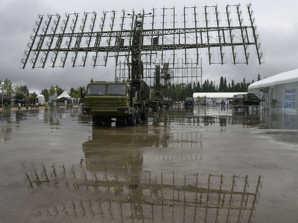 منظومة الرادار المحمولة 55جي6ام نيبا-ام فى افتتاح منتدي الجيش 2015