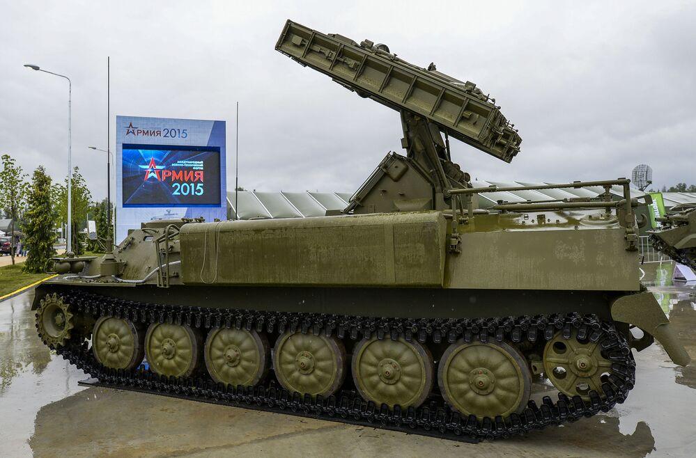منظومة الدفاع ستريلا-10ام4 خلال منتدي الجيش 2015
