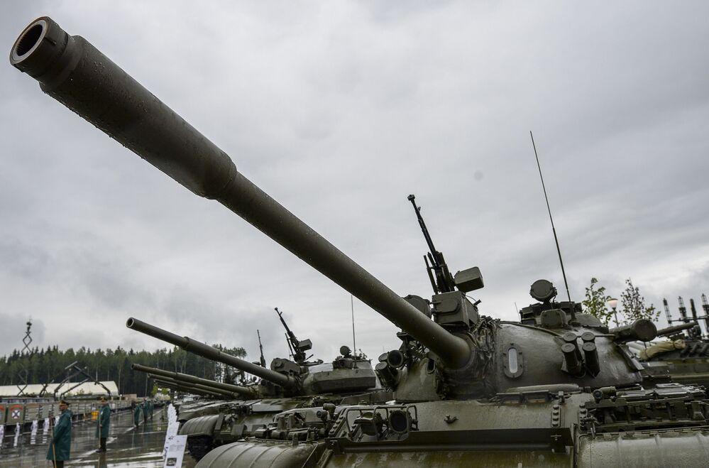 الدبابة السوفيتية تي-55 فى منتدي الجيش 2015
