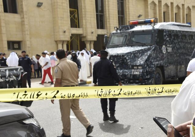 طوقت الشرطة وقوى الأمن مكان الانفجار وبدأت بجمع الأدلة