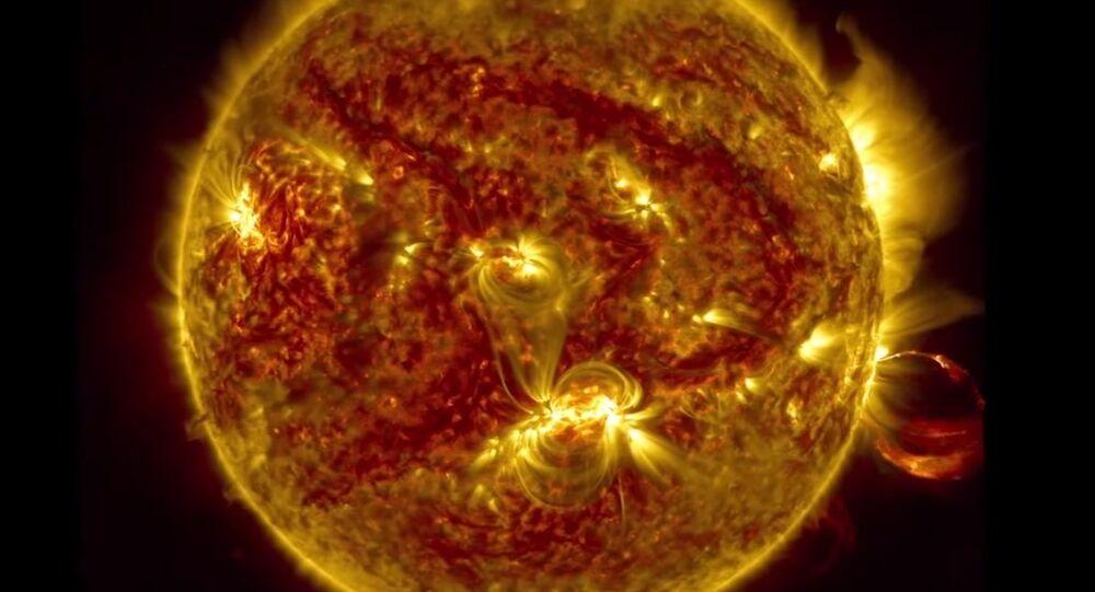 الانفجارات علي نجم الشمس