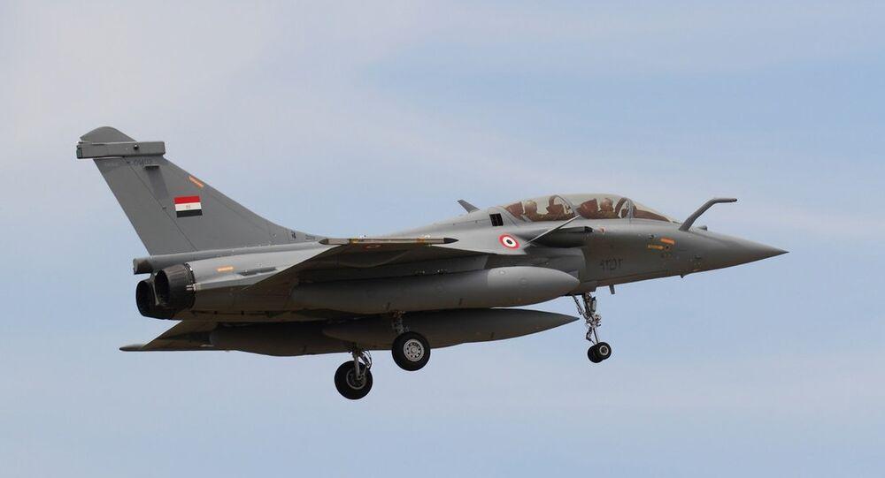 مصر تتسلم الدفعة الأولي من المقاتلات الفرنسية رافال