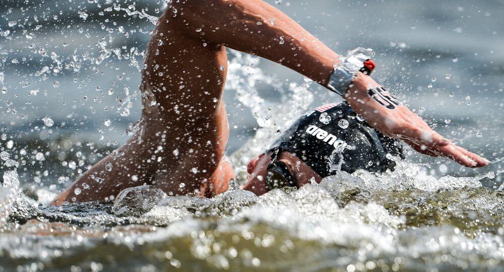 بطلة العالم في السباحة 5 كم في المياه المفتوحة الأمريكية هالي أندرسون
