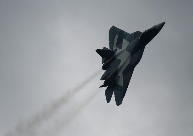 المقاتلة الروسية تى-50