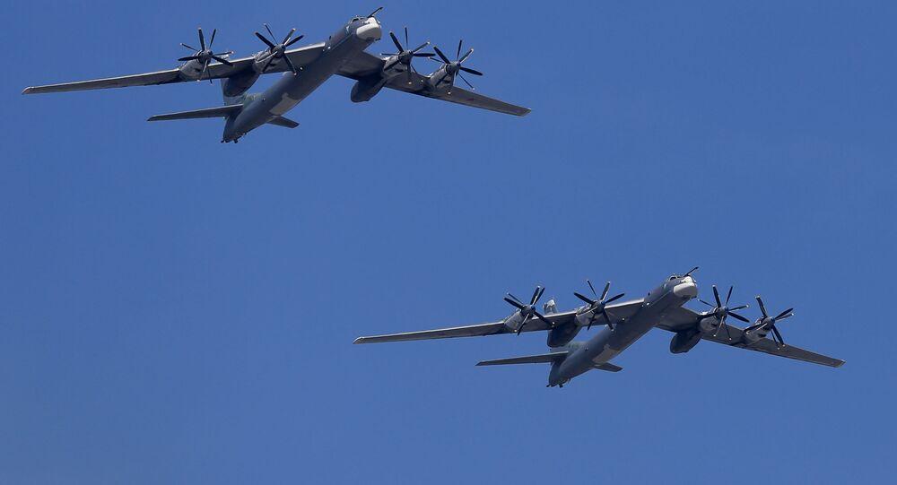 القاذفات الاستراتيجية تو- 95