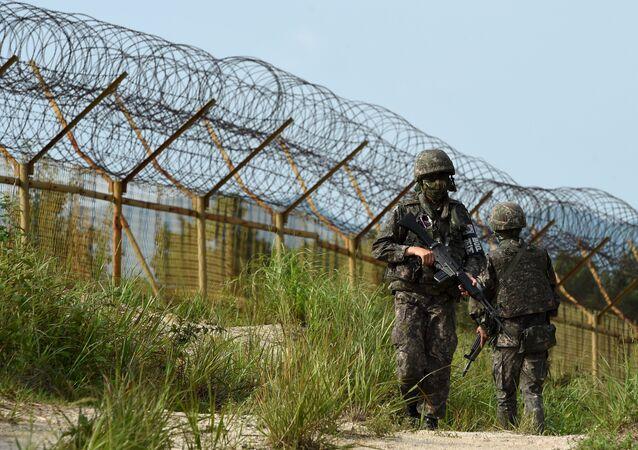 الحدود بين كوريا الشمالية وكوريا الجنوبية