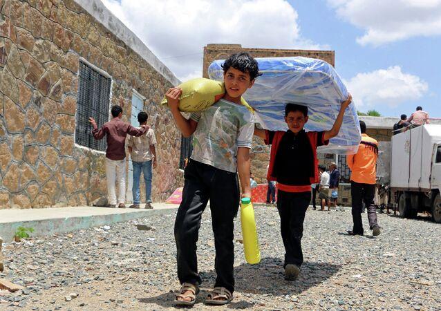 أطفال يمنيون