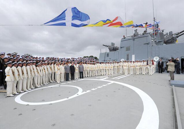 الرئيس بوتين على متن الفرقاطة الأميرال غورشكوف