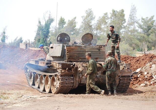 جنود سوريون في مطار الثعلة العسكري
