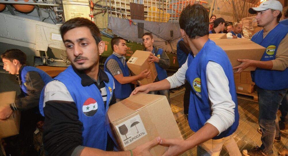 صناديق من المساعدات الإنسانية للشعب السوري