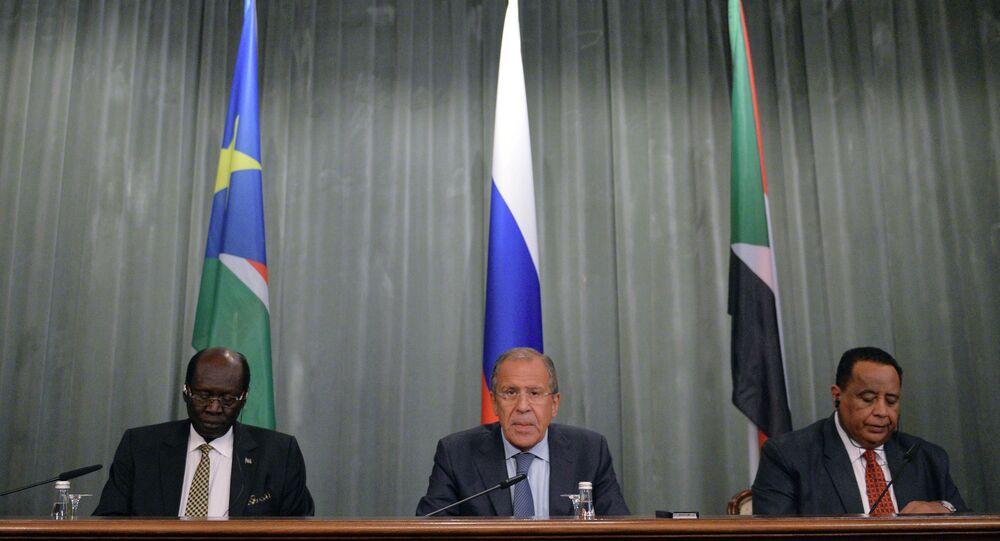 مؤتمر صحفي مشترك لوزراء خارجية روسيا والسودان وجنوب السودان