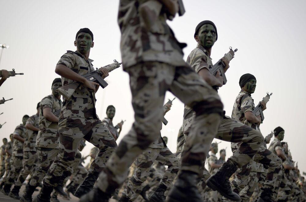 عرض عسكري في السعودية