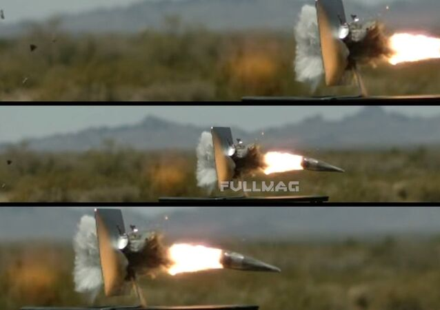 5k iMacمقابل 90 mm مدفع