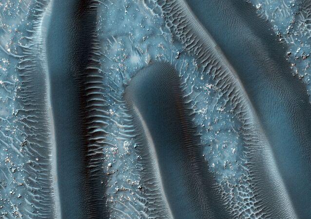 الكثبان الرملية على سطح المريخ