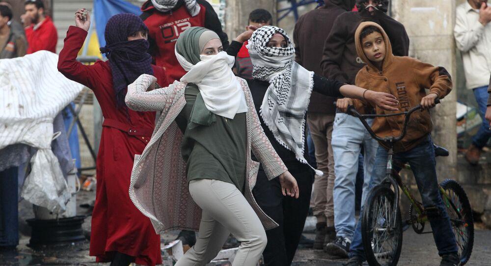 فتيات ينتفضن في الضفة الغربية