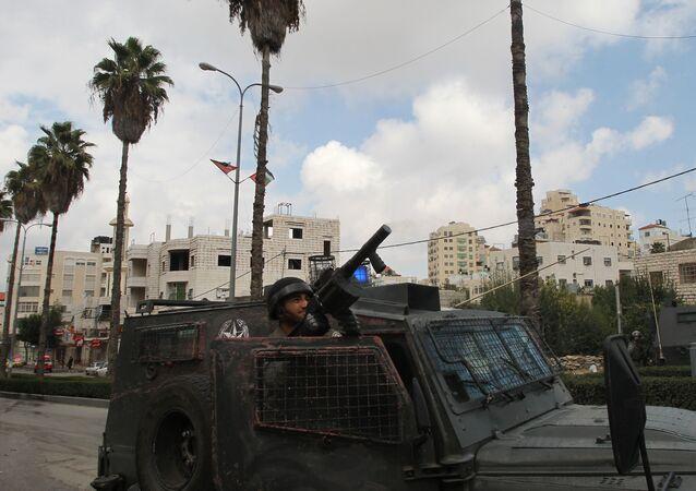 اشتباكات بيت قوات الشرطة الإسرائيلية والفلسطينيين في الضفة الغربية
