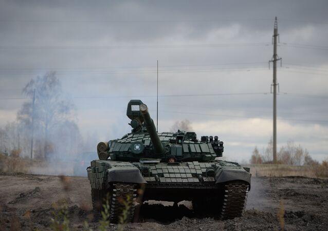 دبابة تي-72