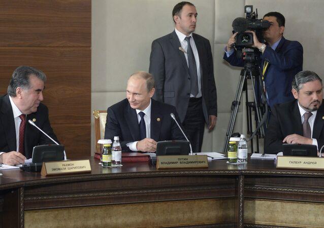 بوتين في اجتماع قمة رابطة الدول المستقلة في كازاخستان