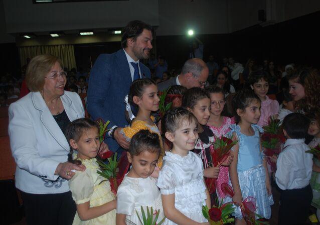 زيارة وفد برلماني روسي لمدرسة ابناء الشهداء في دمشق