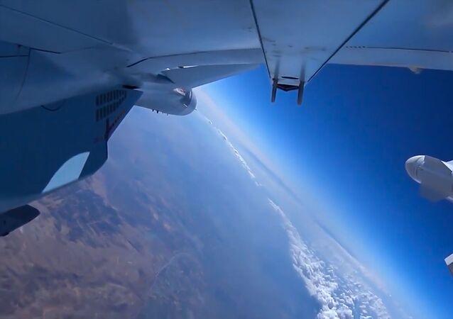 القوات الجوية الفضائية الروسية تقصف مواقع داعش
