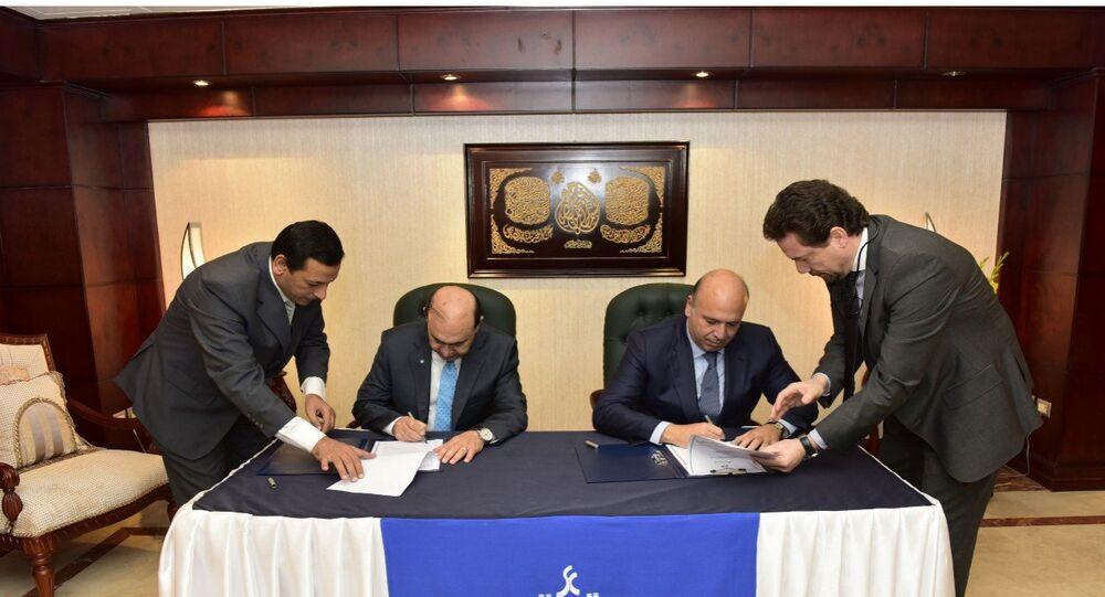 الفريق مهاب مميش و أحمد هيكل رئيس مجلس إدارة شركة مشرق للبترول