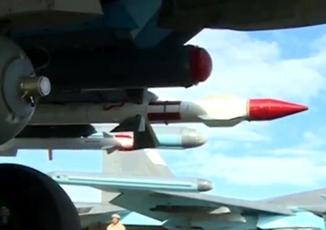 تجهيزات القاذفة سو-34 بصواريخ جو-جو