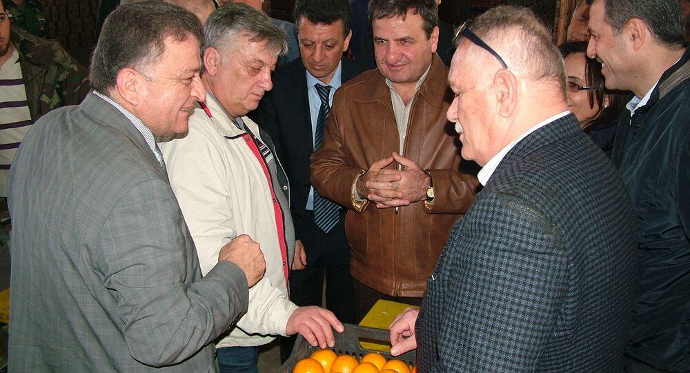 تشميع الحمضيات السورية تحضيرا لتوريدها إلى روسيا